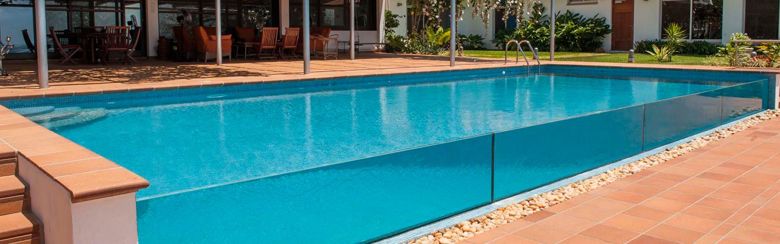 Gres natural para terrazas y piscinas de Gres Breda – Materiales y ...